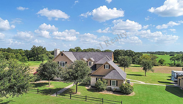 Acreage homes for sale hempstead tx cross capital realty for Country homes with acreage for sale