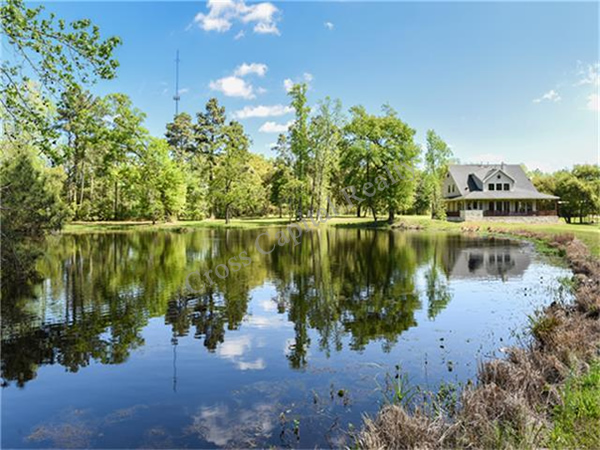 Private lake land for sale conroe tx cross capital realty for 500 000 dollar homes in texas